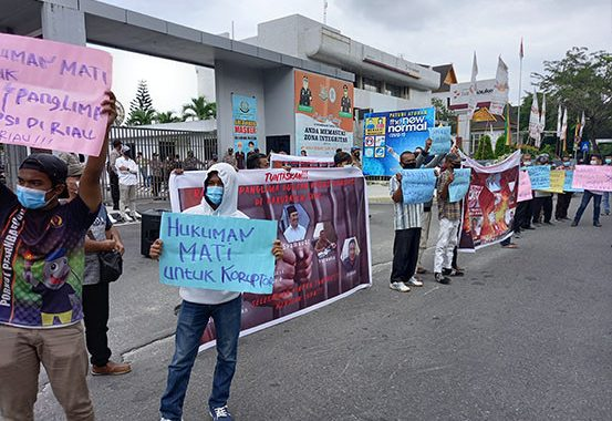 Diduga Terlibat Kasus Korupsi di Siak, Mahasiswa Pekanbaru Ingin Kejati Riau Periksa Syamsuar